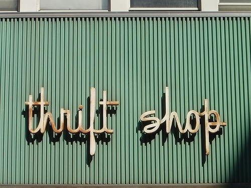 love this font #shop #typography