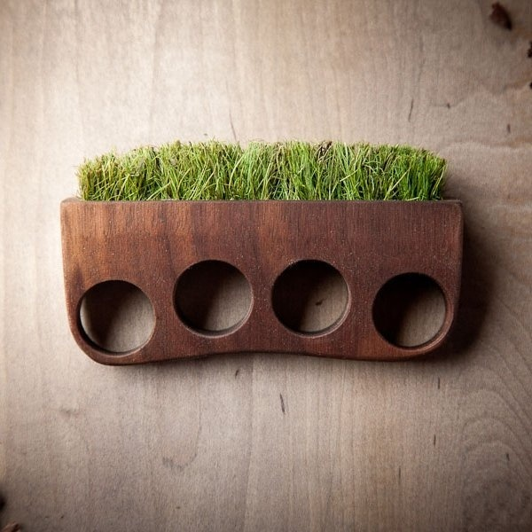 Here comes an eco-friendly set of Grass Brass Knuckles by Mr. Lentz which has been ideally designed for those who love to live in the midst #tech #flow #gadget #gift #ideas #cool