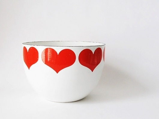 {Object Found} Kaj Franck Enamel Bowl #heart #white #red #kaj #bowl #franck #arabia #love