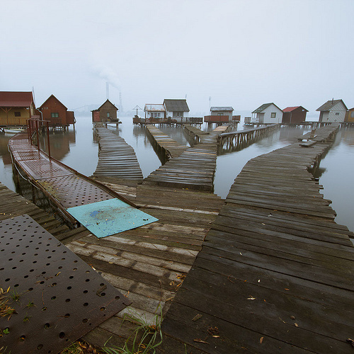 COLORFUL LIFE #lake #photo #footbridge