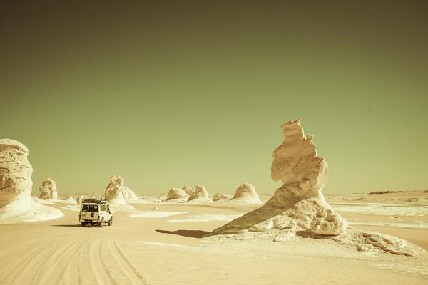 EGYPT_3810.jpg (1710×1140) #truck #adventure #egypt #desert