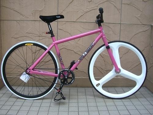 2775710829_ba6fbba4c2.jpg (JPEG Image, 500x375 pixels) #pink #bike #white #black