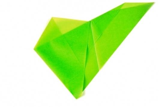 PAPIER TRIANGLE PLIÉ #design #graphic #experimental #folding #paper