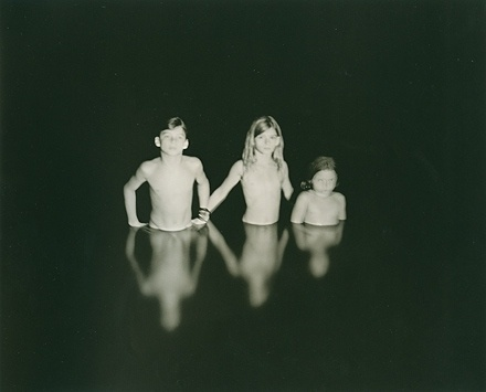 FFFFOUND! | sally-mann-emmet-jessy-et-virginia-1990.jpg 440×355 pixels #night #lake #children