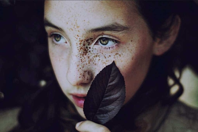 Stunning Eyes in Portrait Photography by Cristina Hoch