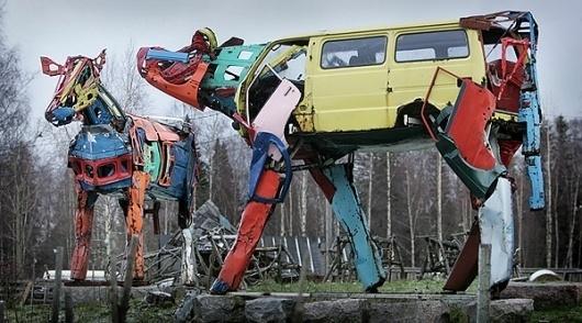 Gigantic Cows by Miina Äkkijyrkkä | bumbumbum #sculpture #art #cow