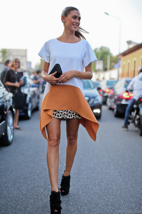 http://25.media.tumblr.com/tumblr_ls8e18hhA91qjvv3oo1_500.jpg #dress #orange #fahion