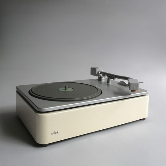 Braun electrical - Audio - PCS 45 record player #design #player #record #1960s #industrial #braun #vintage #rams #dieter
