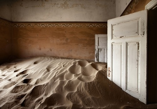 indoor desert | Tumblr #montaes #sanchez #indoor #desert #alvaro
