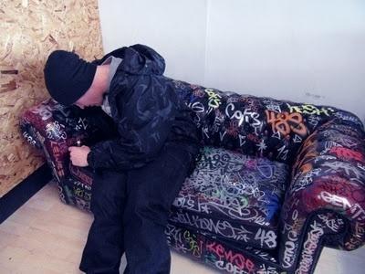 off key clothing #sofa #graffiti #photo #writing #graf #tags #tagging