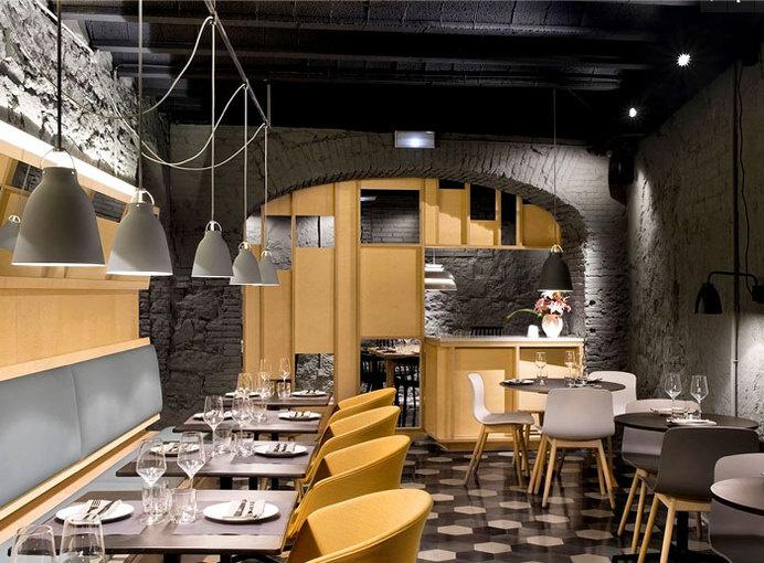 Chic Barcelona Restaurant by Adam Bresnick architects nordic influence furnishing restaurant #interior #design #restaurant