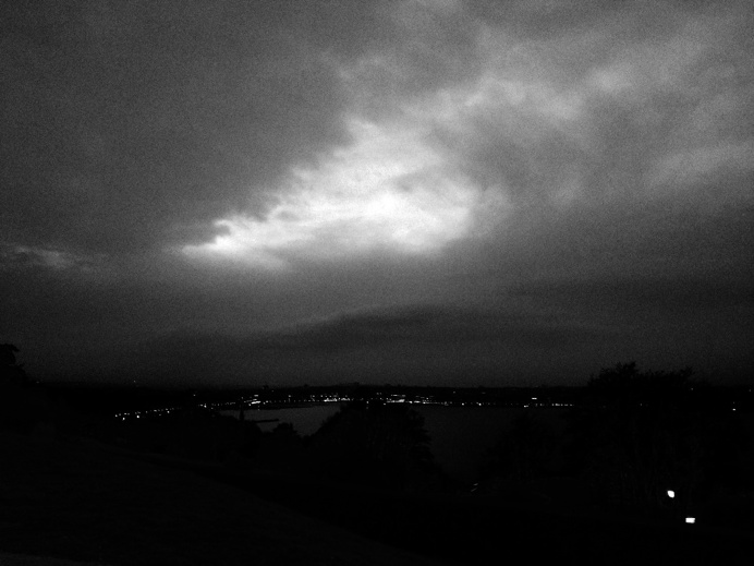 #Geneva #Night #Black&White / Picture : Ruffieux Pablo