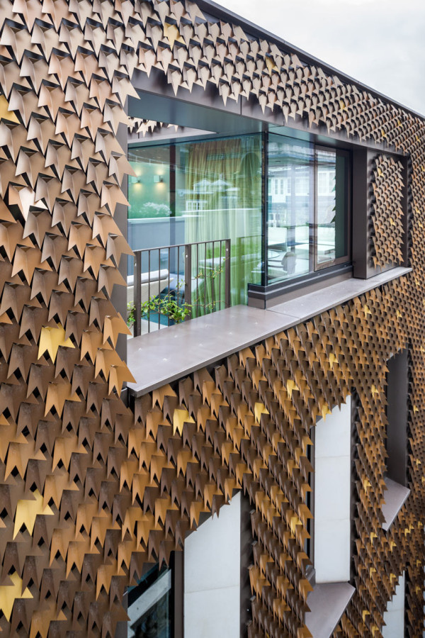 A Leaf Covered House Grows in London Photo #house #leaf #environment #space #architecture