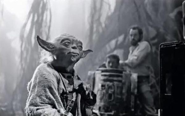66 Behind the Scenes Pics from THE EMPIRE STRIKES BACK Imgur #empire #yoda #wars #strikes #back #photography #scenes #star #film #behind