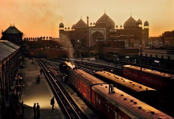 Trains Steve McCurry15 #india #photography #railway