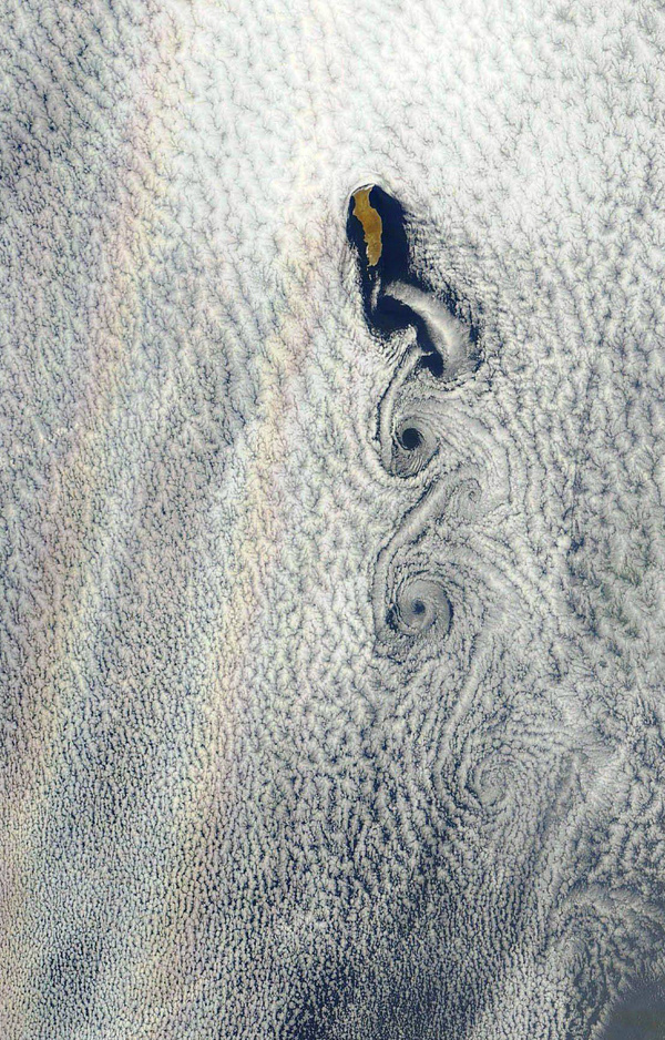 Science Llama These images from Earth Observatory show islands creating vortices #islands #clouds #weather #aerial #pressure #vortice #photography
