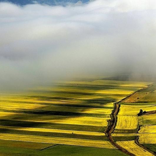 Nature photographs by Edmondo Senatore | Best Bookmarks #photography #cloud #landscape