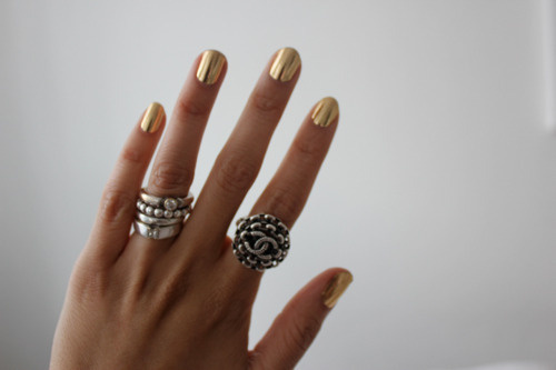 HIGH ROAD.LOW ROAD #nails #gold