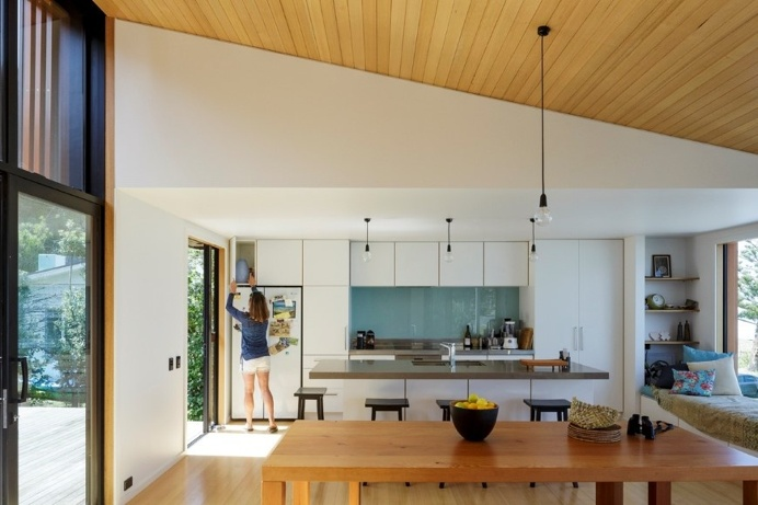 offSET Shed House – small beach house