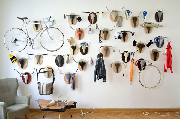 hunting trophy hanger made from recycled bicycle parts #bike