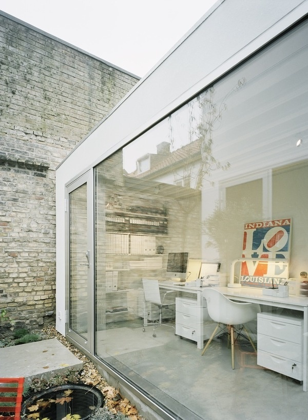 white office #glass #office #white #modern