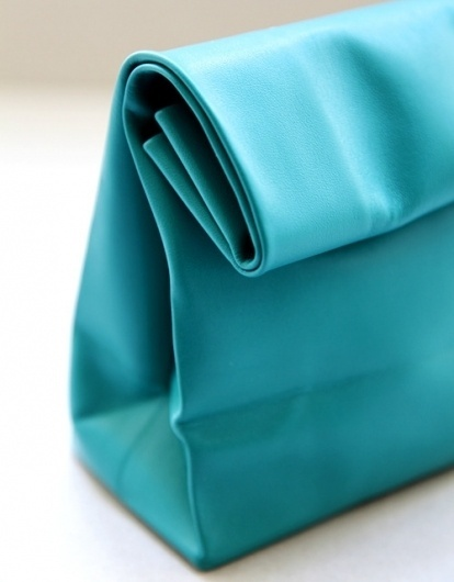 A N V E — SACO DE PAPEL turquoise #fashion #bag #leather