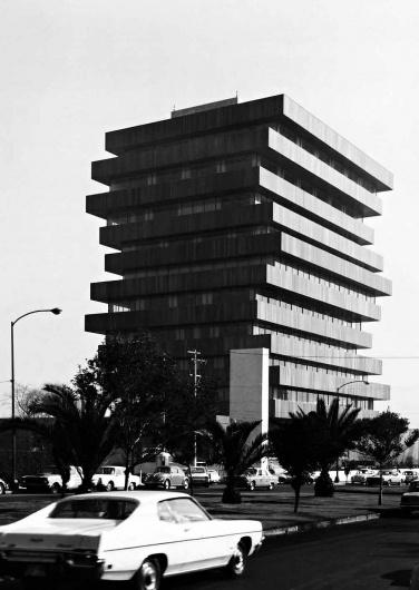 joseCastilloMexican+Modernisms_Page_08_Image_0001.jpg (JPEG Imagen, 1007x1418 pixels) - Escalado (55%) #mexican #architecture #modernism