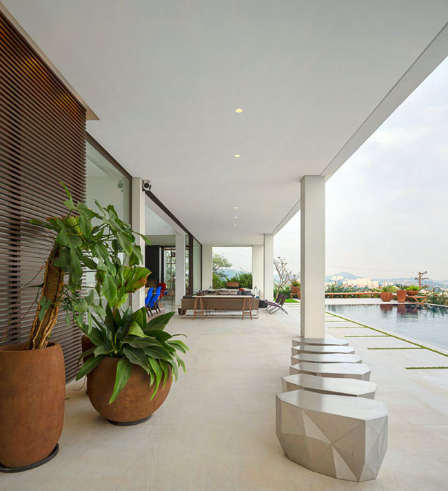 A project led by the Brazilian architect Fernanda Marques Arquitetos Associados - #architecture, #house, #home