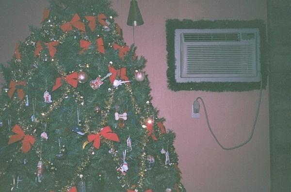 CROZET: Photo #35mm #suburban #christmas #photography #film