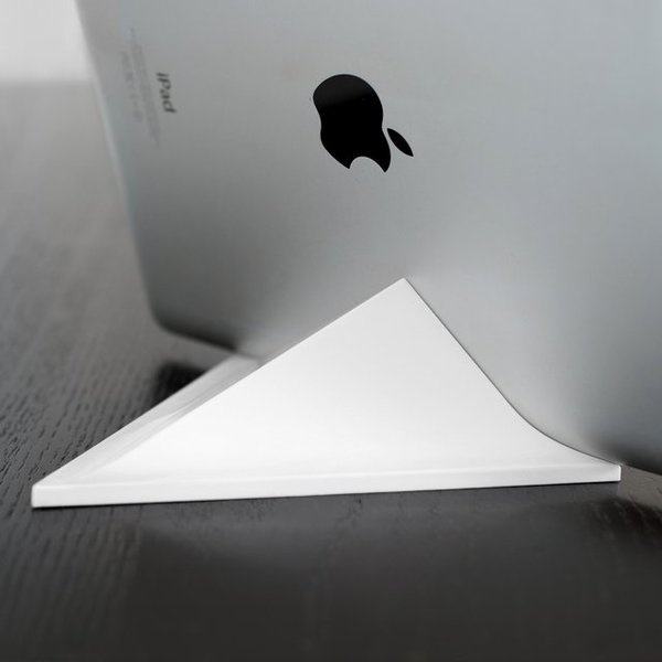 Facet Magnetic Pyramid iPad Stand #ipad #gadget #stand