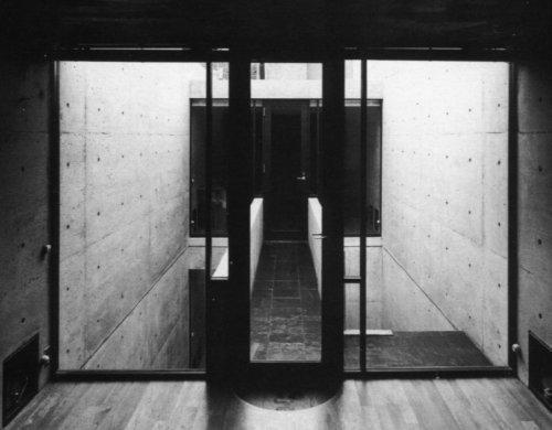casa-azuma-interior.jpg 500×390 pixels #azuma #white #tadao #house #ando #row #black #photography #architecture #and