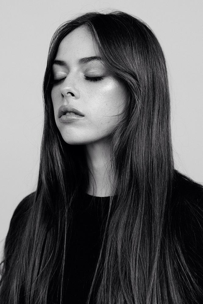Charlotte Jane for Acclaim Mag