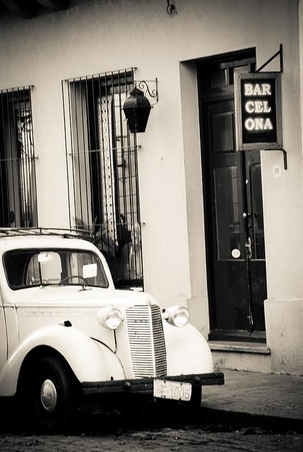 - - | Flickr: Intercambio de fotos #bw #car #antique #typo