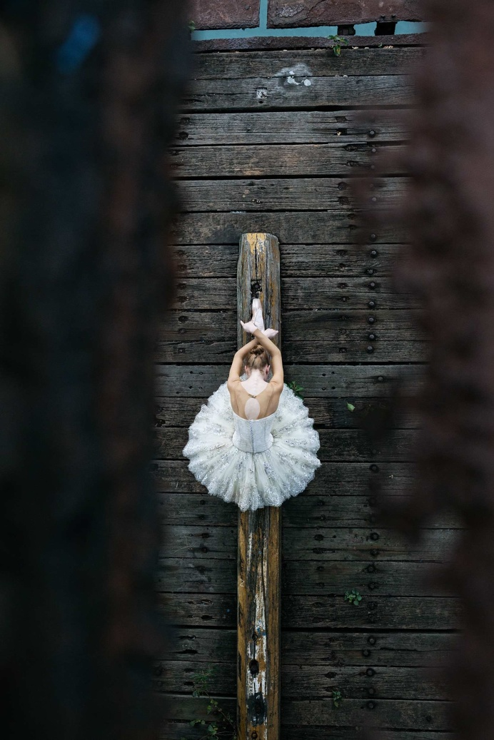 Bodies in Motion: Hong Kong Ballet by Gareth Brown