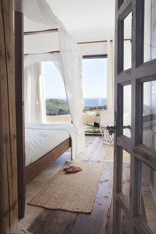 CJWHO ™ (Atelier In Costa Brava Photo: Ruben Ortiz |...) #white #room #design #bedroom #interiors #wood #architecture #bed #luxury