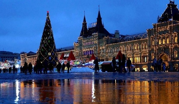 9 Christmas tree on Red Square in Moscow #christmas #trees #art #tree