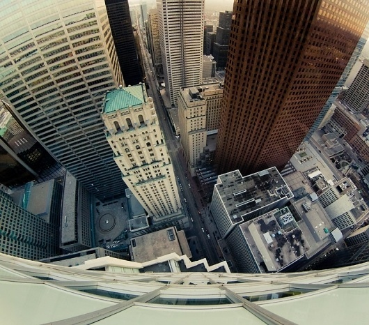 blursurfing photoblog ~ please remain seated with your seat belts fastened #city #photography #skyscraper #skyline