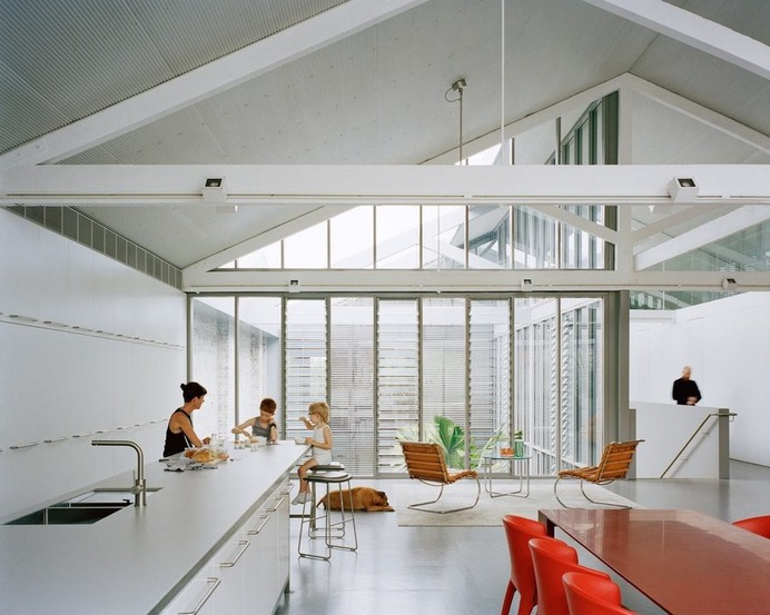 Redfern Warehouse / Ian Moore Architects
