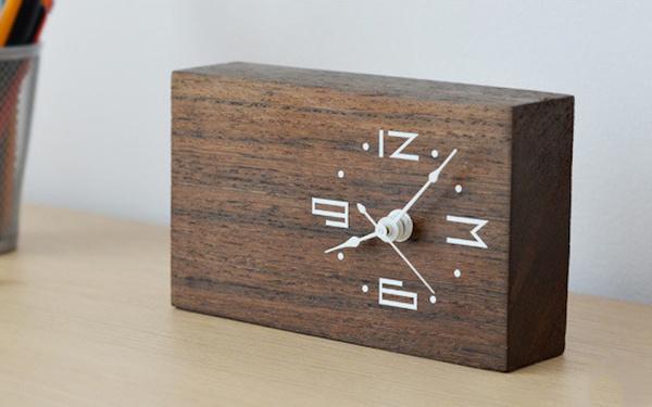 Woodtime: Simple, Modern & Minimal Bare Wood Clocks #wood #clock #gadget