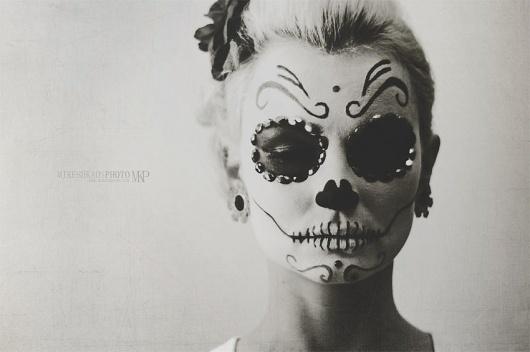 Mikesh Kaos Photography #dia #blackwhite #los #mikesh #de #visage #portrait #dead #nikon #kaos #muertos