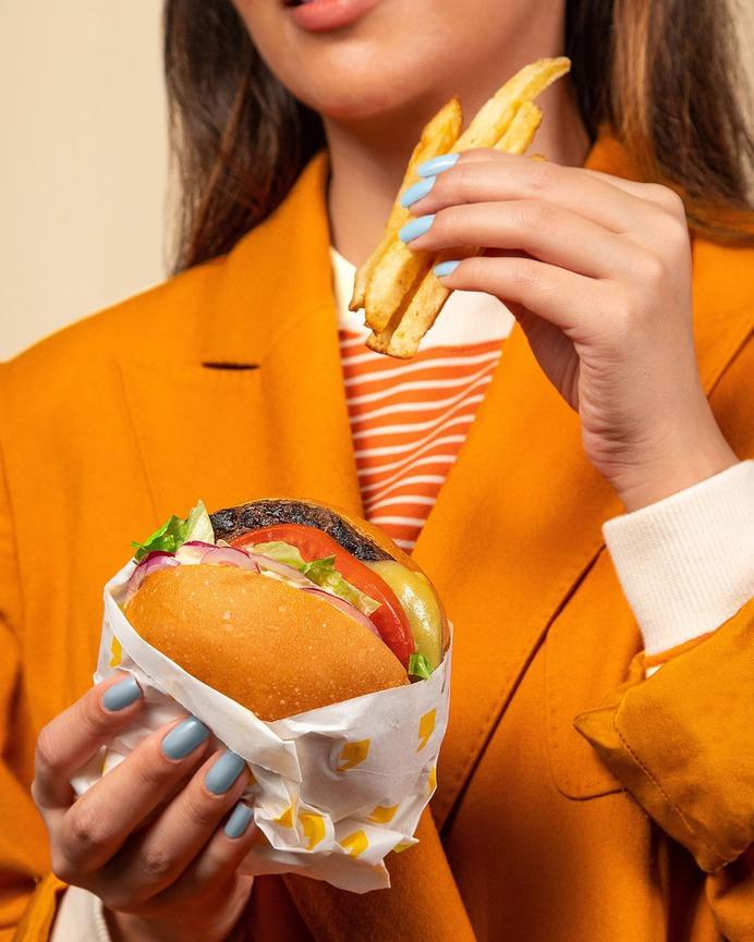 Pit's Burger Content - Mindsparkle Mag