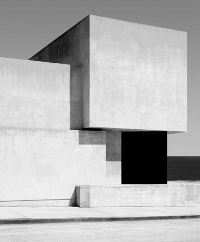bakmaya değer. #architecture #white #black #and