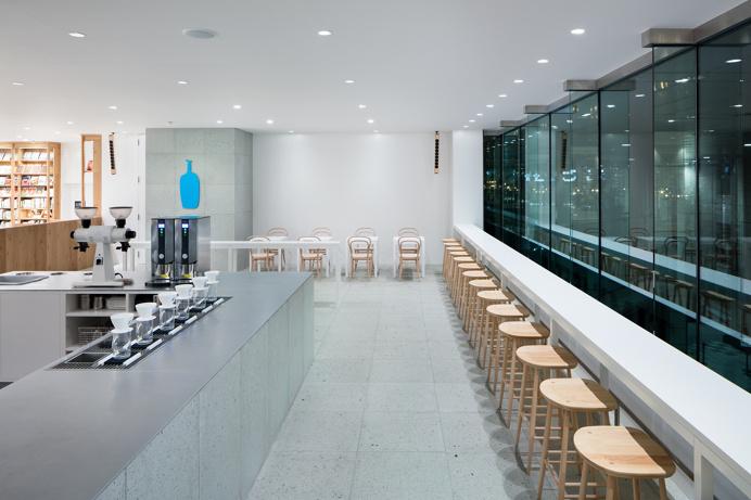 Blue Bottle Coffee Shinagawa Cafe by Schemata Architects