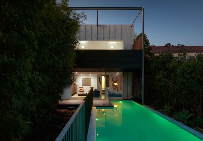 Renovation and an addition to an existing 1930s duplex