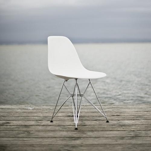 http://rchamizo.tumblr.com/post/15730948617 #furniture #eames