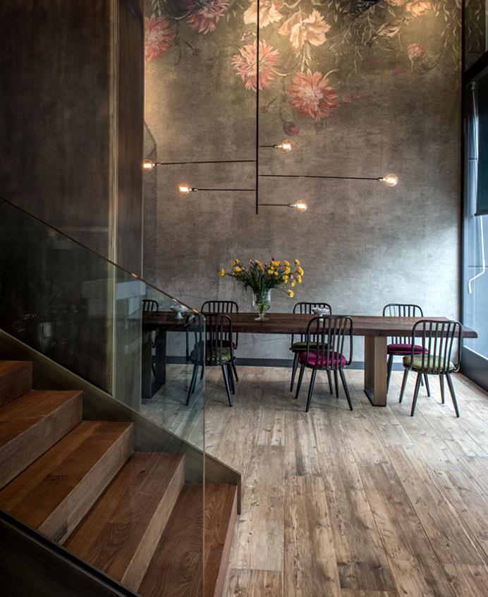 Dining Room Wall Decor Ideas #diningroom #table #chairs #wall #decor