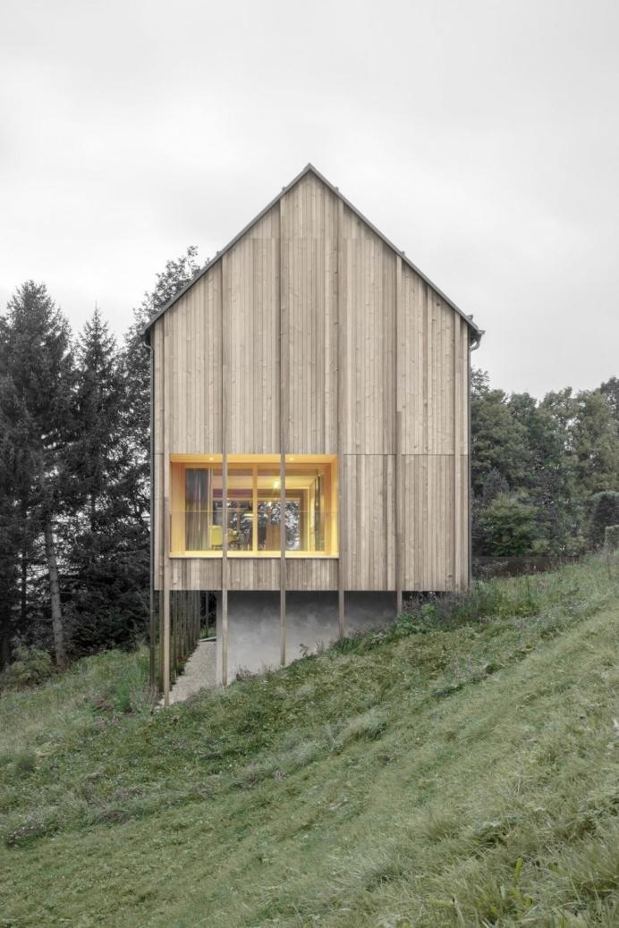 Bernardo Bader . Stürcher forest House