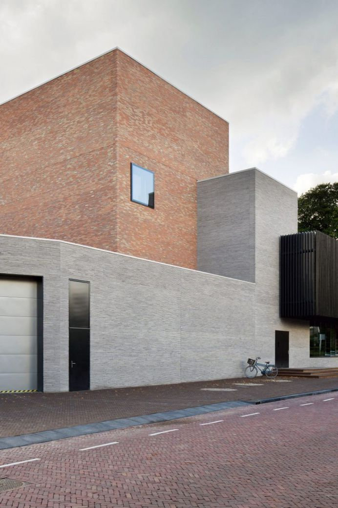 KRFT adds two-tone brick theatre to Singer Laren museum