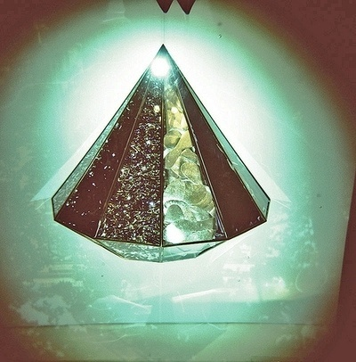 INFORMATION IS THE FIFTH DIMENSION. - via uessai / denisedespirito #diamond #photography #vintage