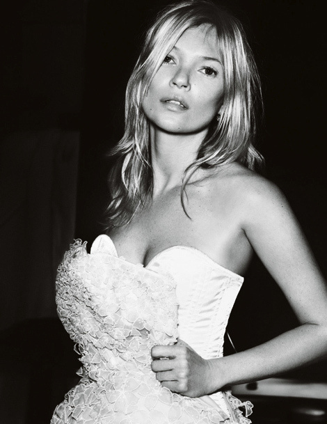 Kate Moss by Mario Testino for Vogue UK #fashion #model #photography #girl
